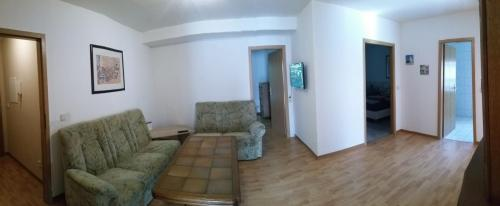 Haus 4 - 1. Obergeschoss Rechts
